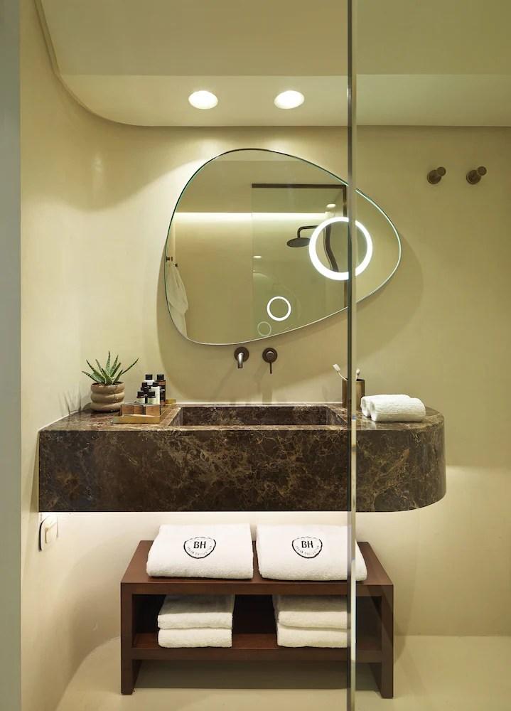 Brown Beach Corinthia a member of Brown Hotels, Loutraki-Agioi Theodoroi, Deluxe Sea View with balcony, Bathroom