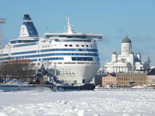 1280px-silja_symphony_and_icy_sea_lane_south_harbor_helsinki_finland