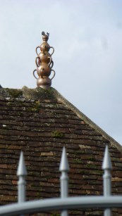 Mysterious rooftop ornament