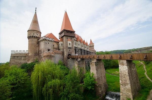 castles to visit in Romania_Corvin castle