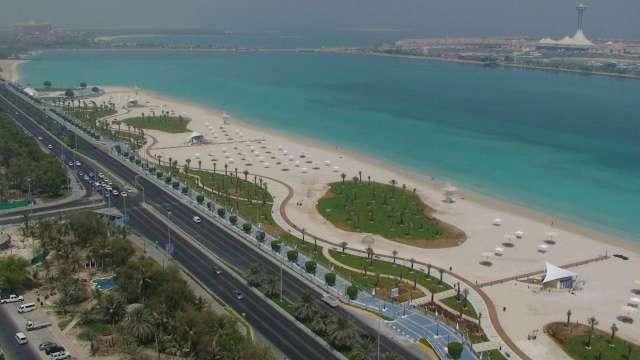 abu-dhabi-corniche-beach-image-4