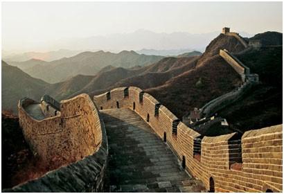 Silk road and the great wall (Photo: Michael Yamashita )