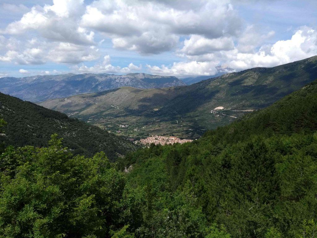 Pettorano sul Gizio Abruzzen Wanderurlaub Italien Geheimtipp Nachhaltiger Tourismus