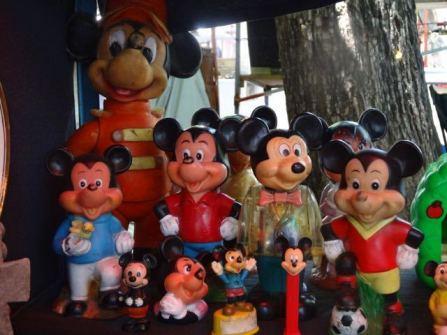 auch Mickey Mouse ist da