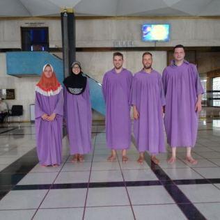 Gewänder der Masjid Negara Moschee