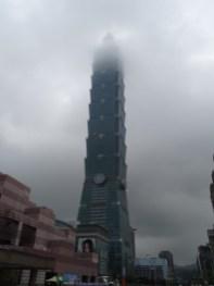 Taipei 101 im Regen