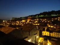Modica bei Nacht