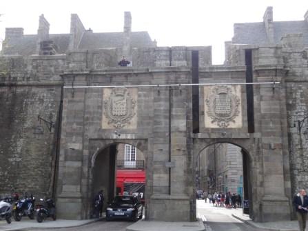 Durchfahrt durch die Stadtmauer