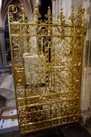 Vergoldete Tür der Kathedrale von Exeter