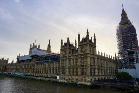 London Westminster bei Sonne