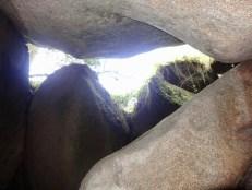 eine Stein-Höhle