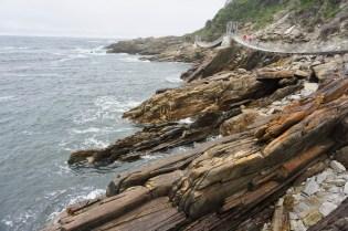 Garden Route National Park mit Hängebrücken über Felsen
