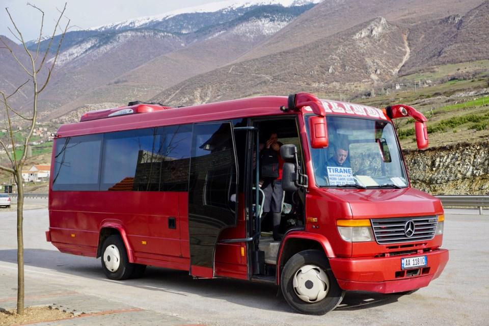In Albanien fahren viele Minibusse
