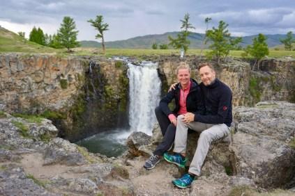 Touristen am Orkhon-Wasserfall