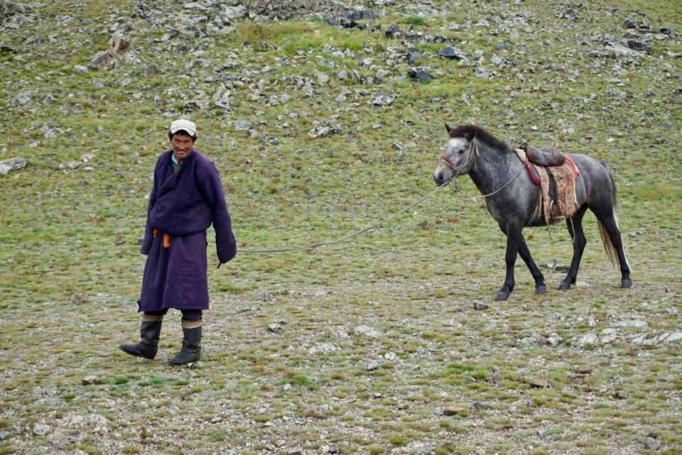 Nomade mit Pferd