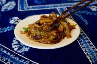 Wok-Gericht mit Aubergine