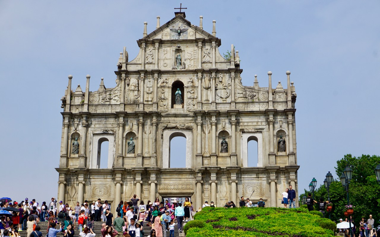 Ruinen einer Kirche
