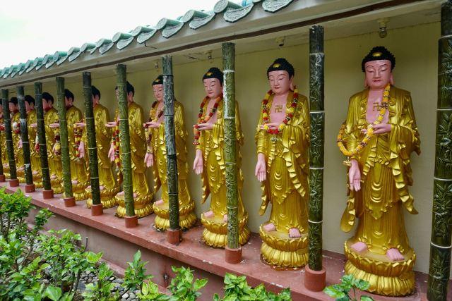 Buddhistische Buddha-Figuren aus gold