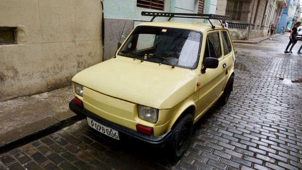 Fiat 500 in hellgelb