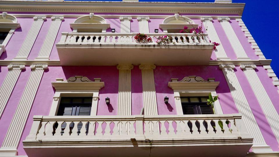 Rosa Fassade in San Juan