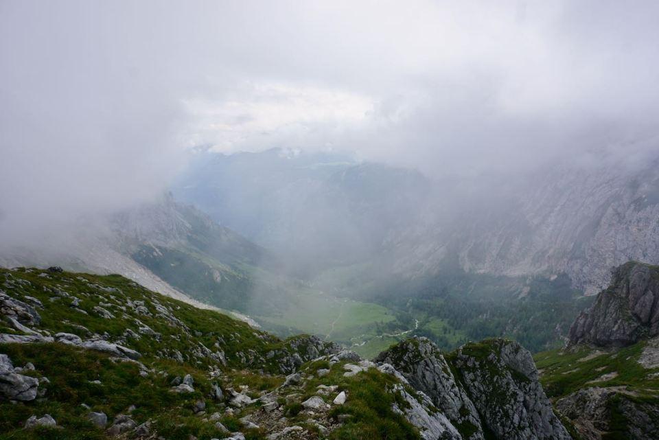 Trotz dichter Wolken machen wir uns auf zum Hohen Brett