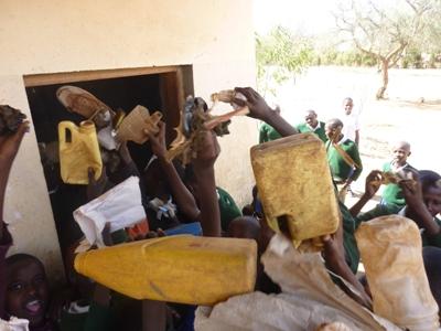 2011-07_tanzania_loiborsoit_clean-up.JPG