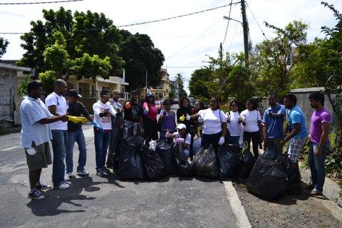 2012-09-09_mauritius_clean-up-mahebourg.JPG