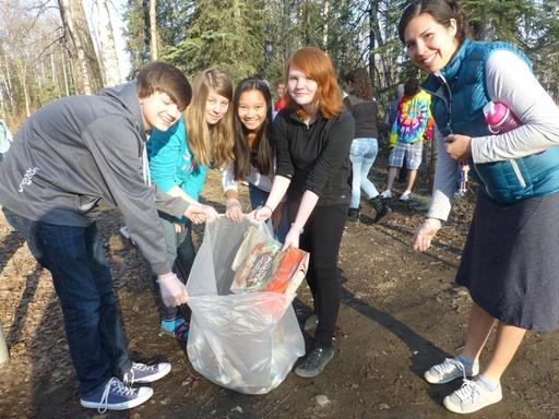 2014-05-01_usa_alaska_sea2top2sea_bartlett-high-school_clean-up-1.JPG