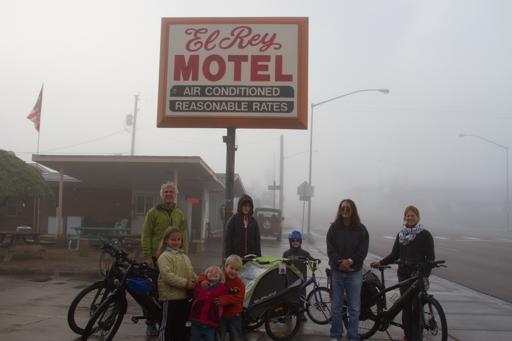 2014-12-04_usa-nevada_leaving-el-ray-motel.jpg