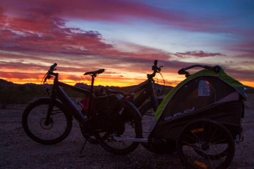 2014-12-11_usa-california_needles-stromer-bike-in-the-sunrise.jpg