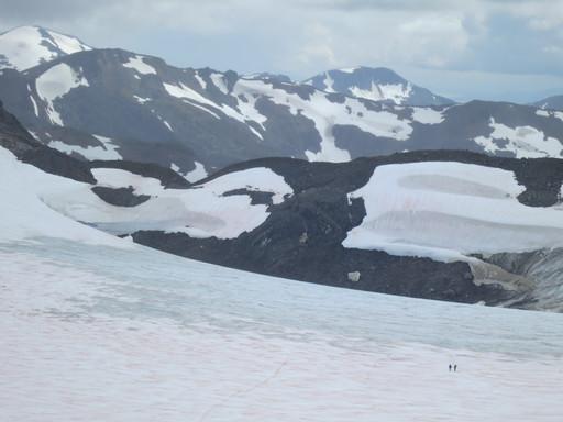 20140807_usa_alaska_juneau_lemon-creek-glacier_jamie-pierce-and-dario-hike-to-lake-linda.JPG