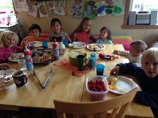 2016-07-16_usa-alaska-dutch-harbor_kids-arrival-breakfast-feast.JPG