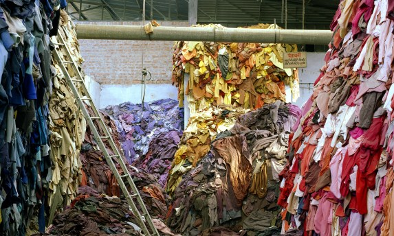 RMIT_Gallery-Fast_Fashion-TMitchell_scan-LANDSCAPE.jpg