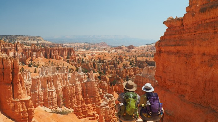 GREGORY PACK AND BUCKET HATS AMONGST HOODOOS