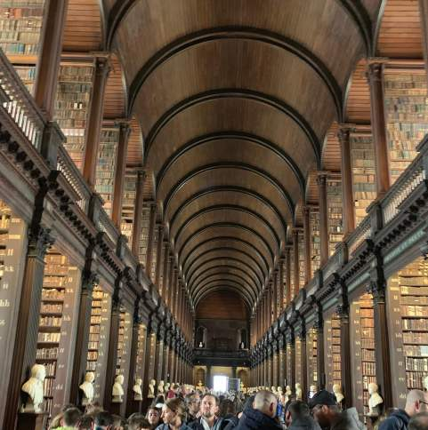 Library at Trinity College that has the Book of Kells