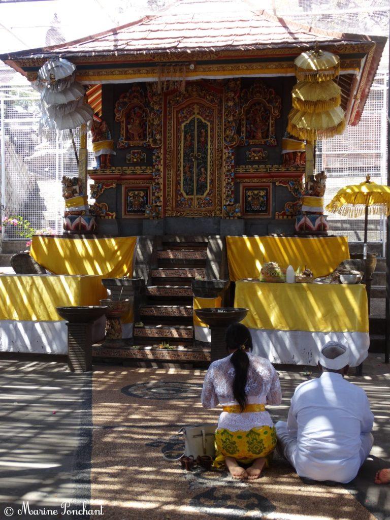Cérémonie dans un temple sacré