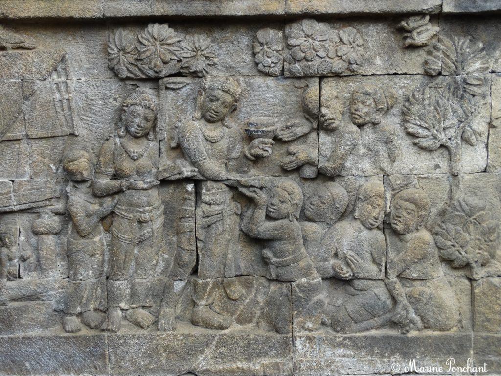 Scènes d'offrandes dans la pierre