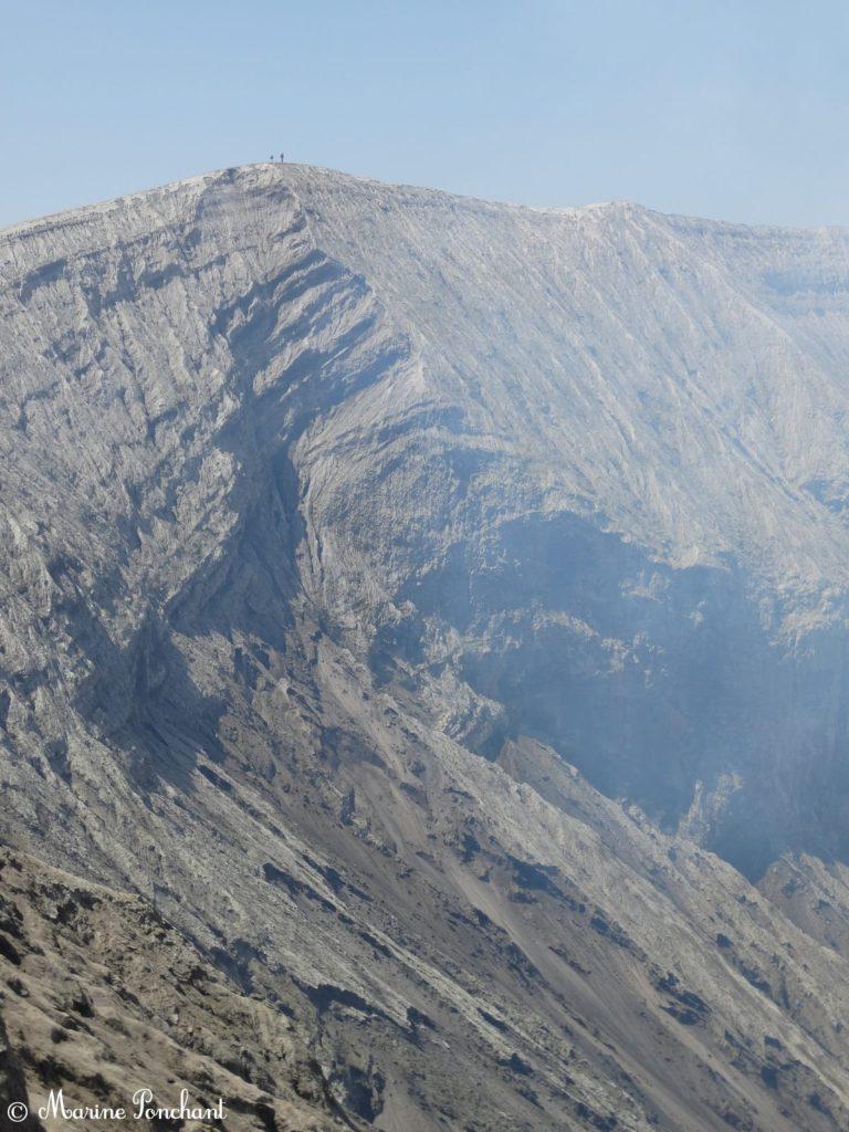 Pente vers le fond du cratère