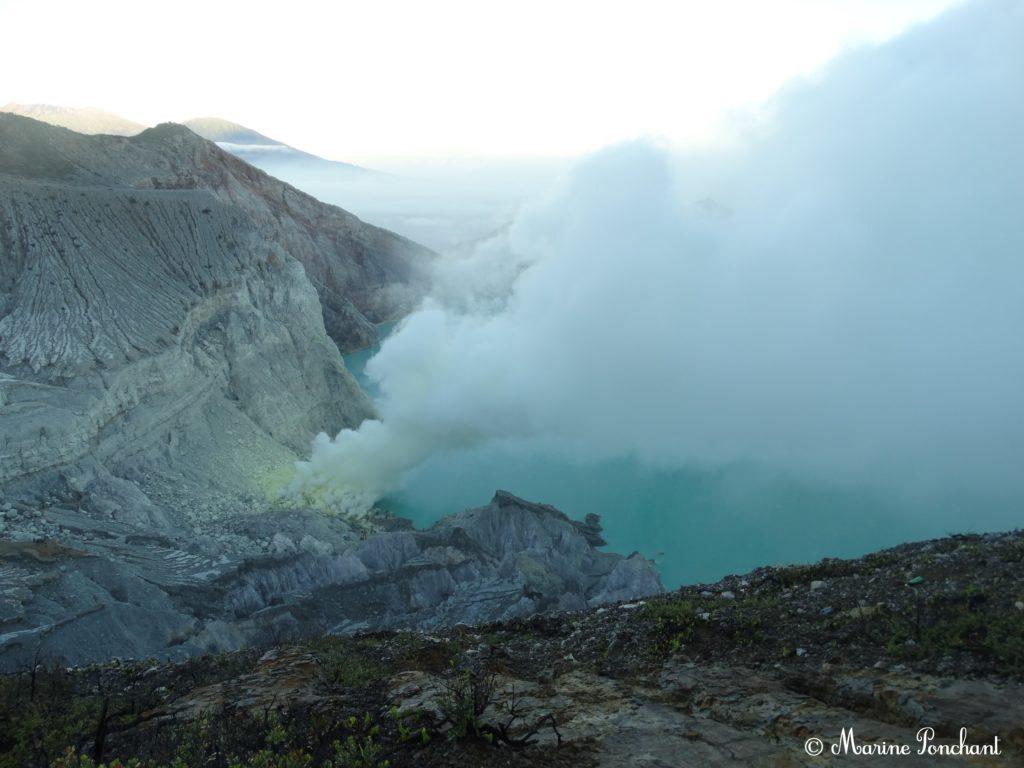 Panoramique sur le volcan
