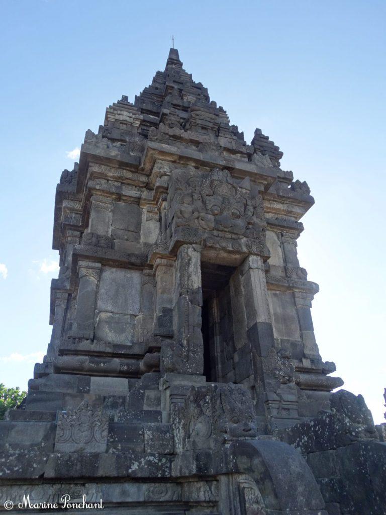 Petit cloître au sein des multiples temples