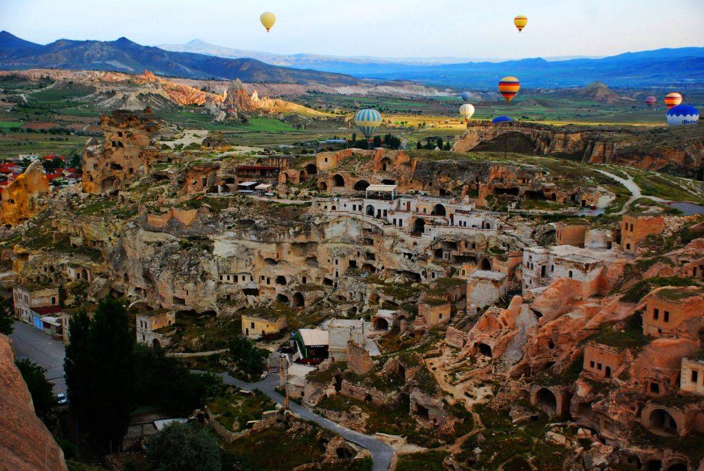 Vue sur les montgolfière en Cappadoce