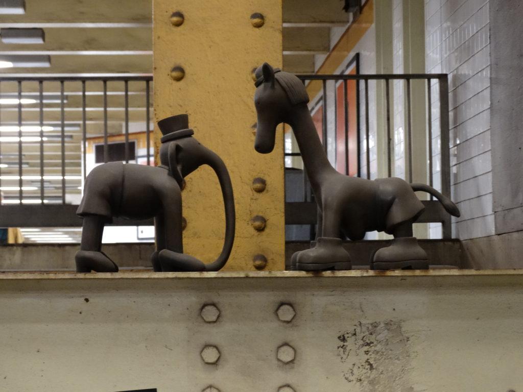 sculpture en bronze métro