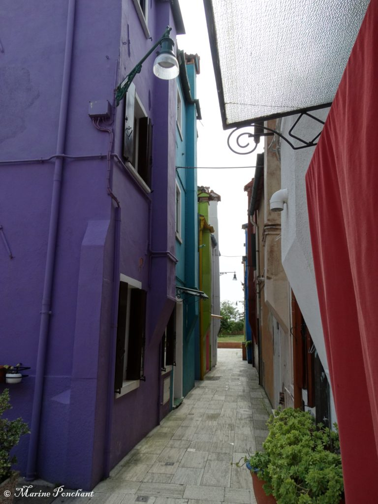 Petite ruelle colorée Burano