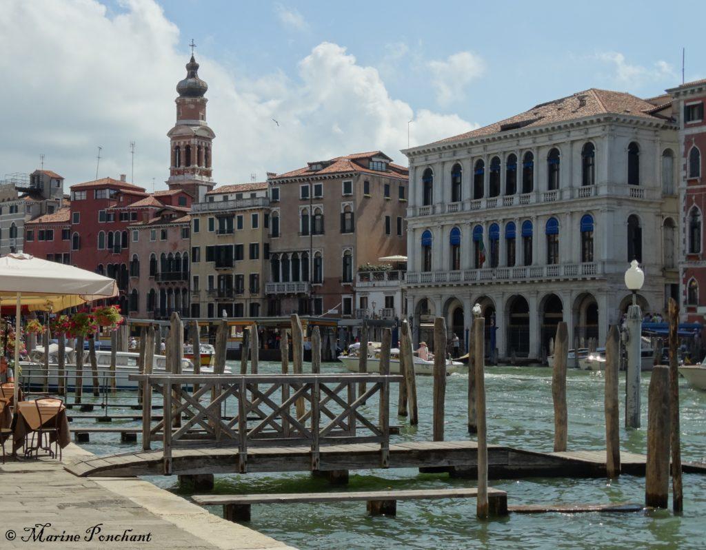 Port vénitien sur le grand canal