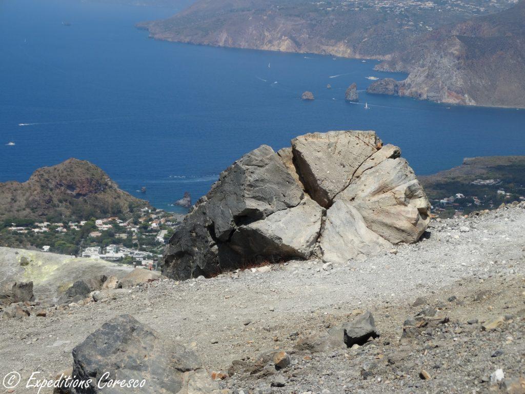 Bombe éruptive d'un volcan