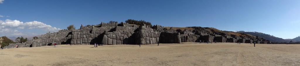Panoramique de la forteresse Saqsaywaman