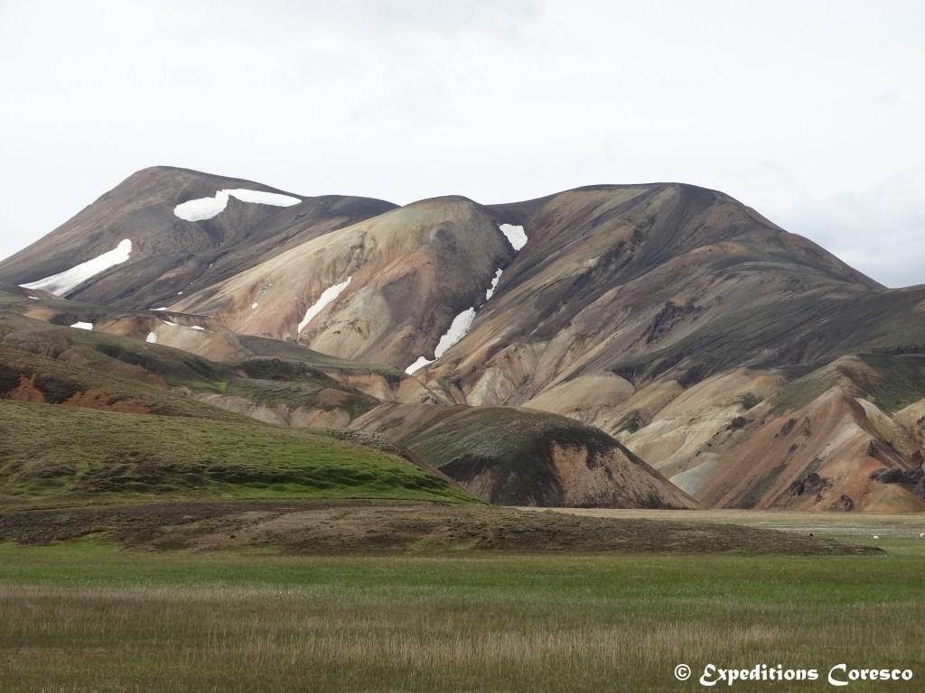 Les courbes du Landmannalaugar