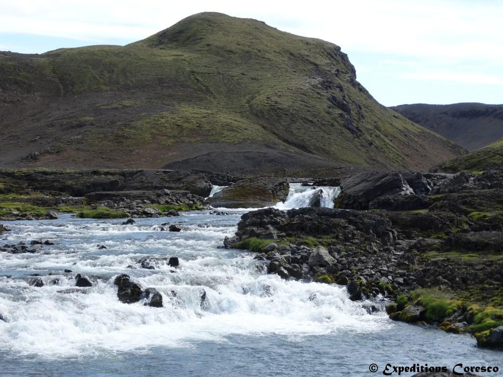 Torrent dû à la fonte des glaces, Islande