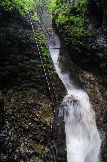 Okienkový vodopád - © Andrej Pižem