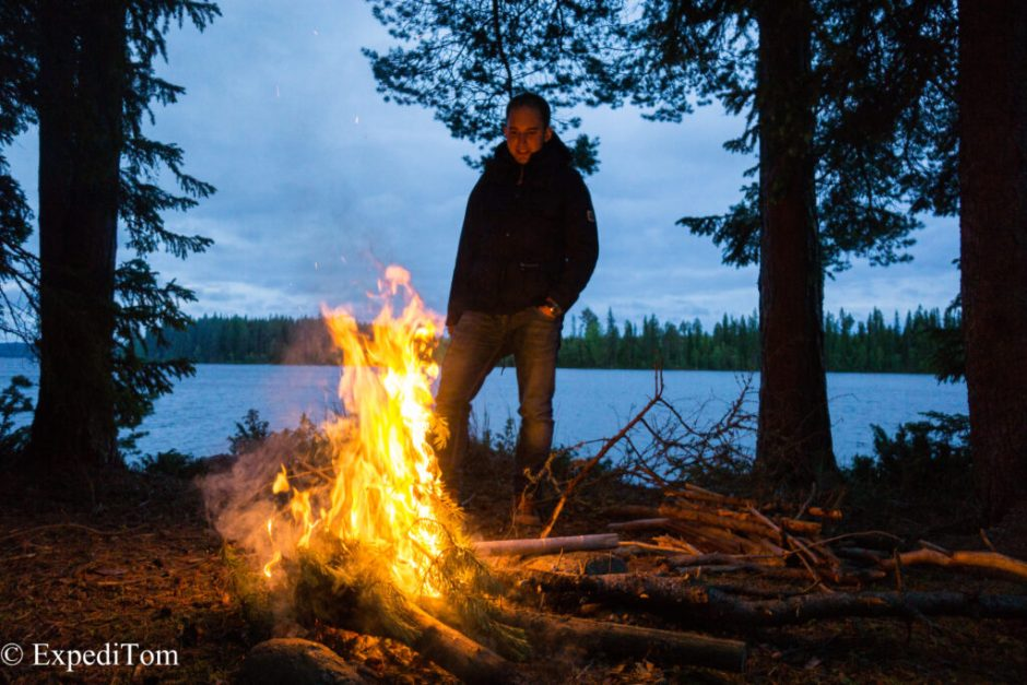 Great conversation at the fire pit next to lake Storsjön